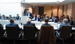Begrotingsvergadering in het stadhuis van Groenlo. Foto: Theo Huijskes