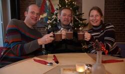 Alex, Theo en Tamara nodigen iedereen uit om op 30 december naar het Kulturhus te komen. Foto: Frank Vinkenvleugel