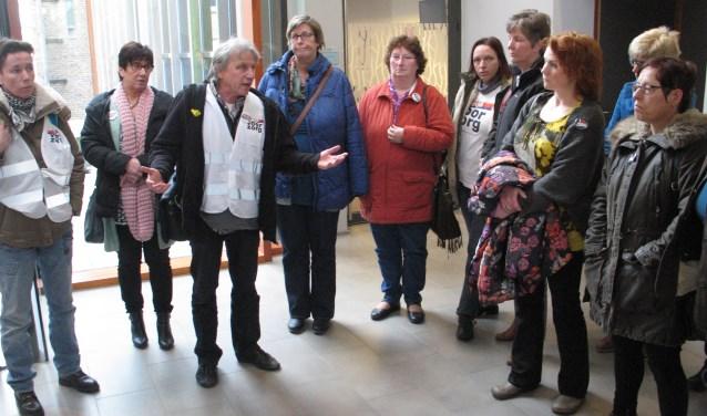 Wim van der Hoorn en en de TSN'ers, eerder tijdens hun protest in het gemeentekantoor. Foto: PR