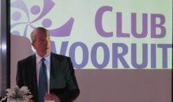 Voormalig wethouder Paul Wentink bij de start van Clubvooruit. Foto: Theo Huijskes