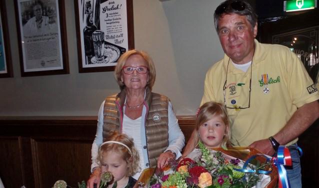 Berry Koehorst met echtgenote Anneke en 2 kleindochters.