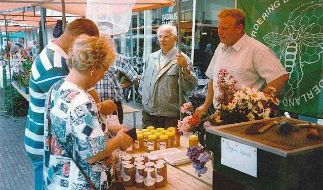 Bijenvereniging bij intratuin aaltens nieuws for Intratuin zutphen