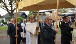 De processie op Sacramentsdag. Foto: Frank Vinkenvleugel