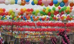 Groenlo wordt weer heel kleurrijk met carnaval, dankzij het Ballonnenfonds. Foto: PR