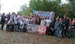 Kees Koolen met zijn supporters. Foto: Henk Teerink