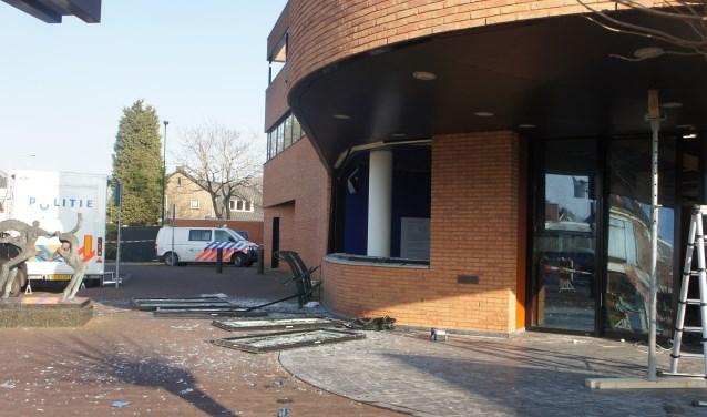 Een flinke ravage na de plofkraak in Didam; omwonende moesten tijdelijk hun huis uit vanwege explosiegevaar. Foto: Susan Wiendels