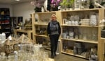 Debbie Petrovic in de nieuwe winkel Deco for You. Foto: Karin Stronks