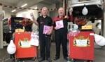 Dick Bloemendal en Herman Kamperman vieren hun jubileum bij Autobedrijf Suselbeek. Foto: PR