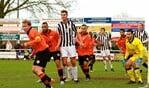 Wout Blasman (Uiterst rechts met nummer 9) in actie voor Silvolde. Foto: Jos Overgoor - www.sportclubsilvolde.nl