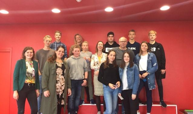 De leerlingen met de Berkellandse ondernemers. Foto: PR Assink