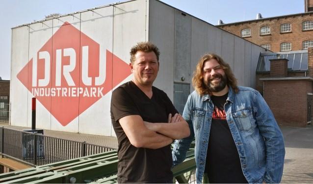 Erik Ramaker en Johan Godschalk zijn enthousiast over het nieuwe concept Metal on Metal. Foto: Gerwin Nijkamp