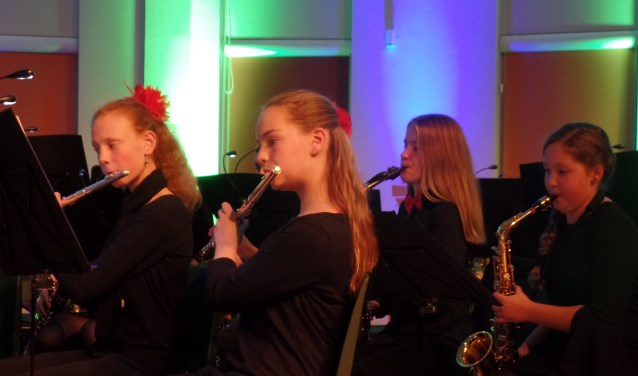 Zowel het kleine en grote jeugdorkest trad onder leiding van Mark ten Breul op. Foto: Jan Hendriksen.