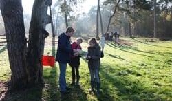 Frans ten Boschschool, bezig met het kompasspel en het vogeltrekspel.Foto: Dorien te Bokkel