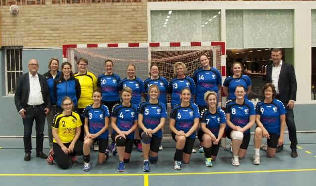 De dames in het nieuw. Foto: PR Blauw-Wit