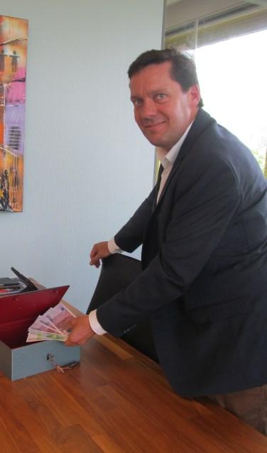 Wethouder Henk Bulten zag hoe de begroting unaniem werd goedgekeurd. Foto: Bert Vinkenborg