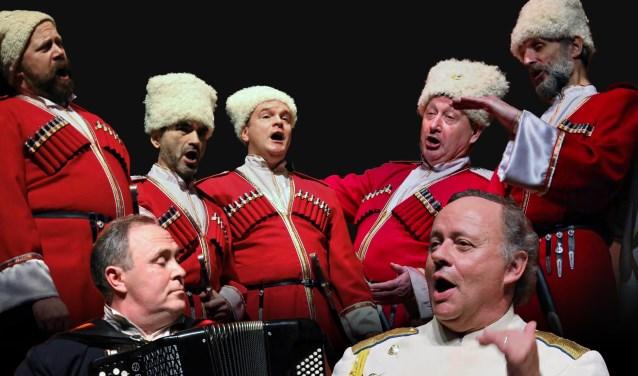 Het koor en de instrumentalisten staan onder leiding van de Nederlandse dirigent Marcel 'Nicolajevich' Verhoeff (rechtsvoor). Foto: Monique Liet