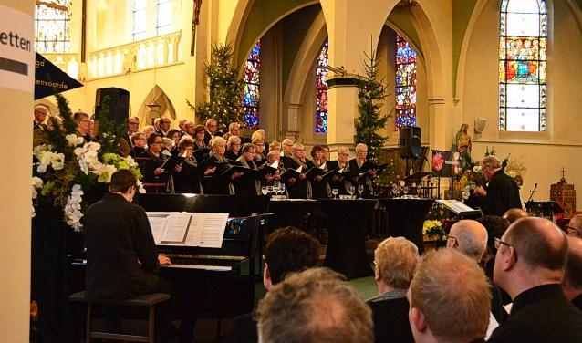 Het Gemengd Koor Lichtenvoorde tijdens een eerder kerstconcert. Foto: PR