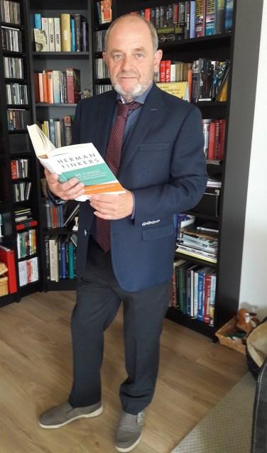 """Jan Buter haalt veel inspiratie uit het werk van Herman Finkers. """"Hij weet diepgang te verpakken in humor. Foto: Betty Leerink"""
