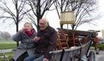Wim en Willemien Kolthoff op de zeilwagen. Foto: Rob Weeber