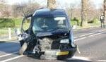 Blikschade na botsing met boom. Foto: News United / Jan Willem Klein Horstman