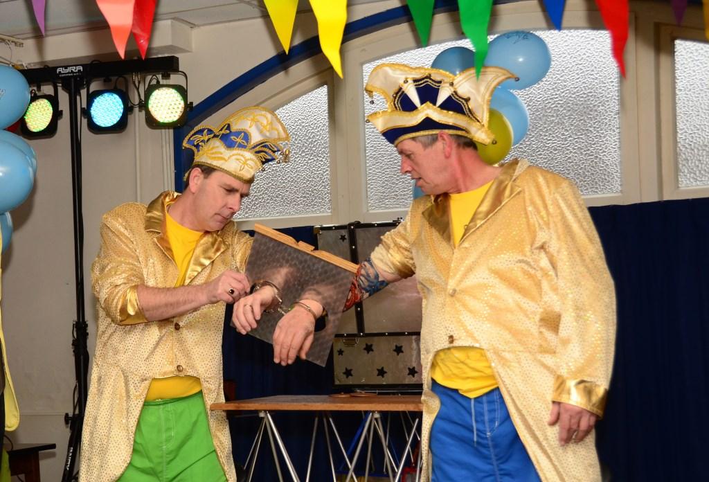 Grote bengels Alex en Eddy zijn onlosmakelijk verbonden met het Bengelbal, maar nemen toch afscheid. Foto: Achterhoekfoto.nl/Paul Harmelink