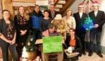 Op eigen houtje speelt Bertus wil een kerstpakket. Foto: PR