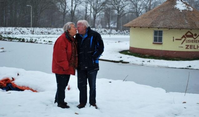 Greta en Jan Eelderink op de plek waar het allemaal begon. Foto: Margreet Nusselder