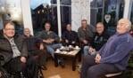 De 'hangouderen' waarmee Waltraud sprak voor de terugblik op 2017. Foto: Frank Vinkenvleugel