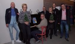 De organisatoren zijn al helemaal in kerststemming. Foto: Frank Vinkenvleugel