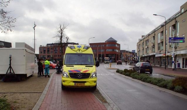 Een fietser raakt gewond bij een botsing met een auto. Foto: News United/112 Achterhoek-Nieuws