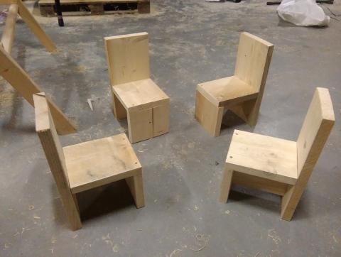 Stoel Voor Kind : Gelderse post oude ijsselstreek steigerhout kinder stoel marktplein