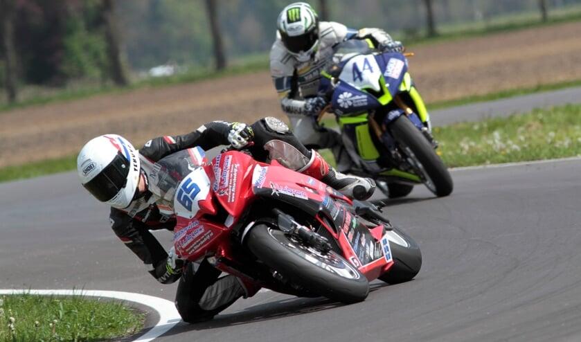 Joey den Besten winnaar tweede wedstrijd IRRC Supersport. Foto: Henk Teerink