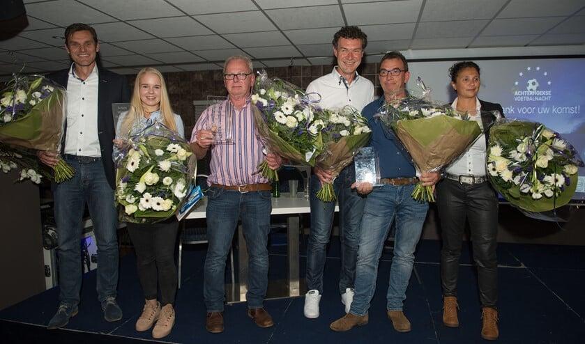 Eric Braamhaar, Loïs Niënhuis, Fons Rouwhorst, Hans Migchelbrink Jan Minkhorst en Mary Kok-Willemsen (vlnr). Foto: Henk den Brok