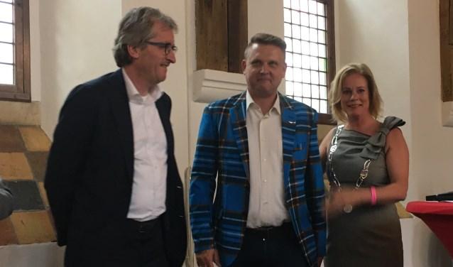 v.l.n.r.: Arjen Sietsma en Cor Brandsma (beiden directeur van BrandOil) en burgemeester Vermeulen van Zutphen. Foto: PR