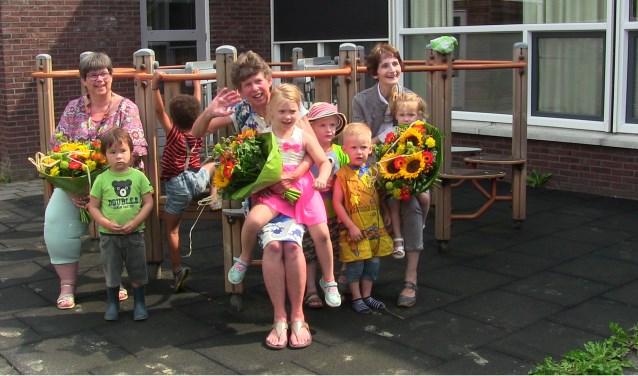 Manuele Scheers, Toos Bargeman en Hedwig Hartman tijdens hun laatste dag bij Ot en Sien. Foto: PR