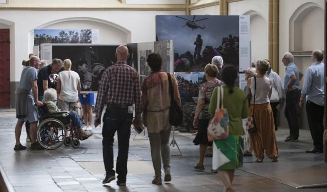 Vorig jaar bezochten ruim 10.000 mensen World Press Photo 16 in Zutphen. Foto: Patrick van Gemert