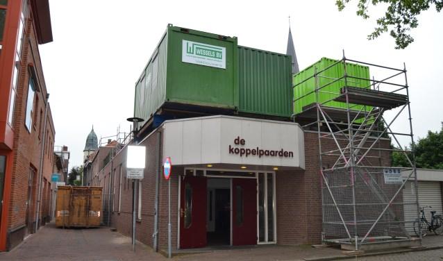 De renovatie van De Koppelpaarden is begonnen. Foto± Karin Stronks