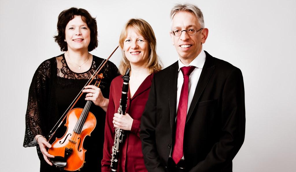 Het Staffa Trio bestaat uit Symone Boerstoel en Angela en Mark Kreeftmeijer. Foto: PR