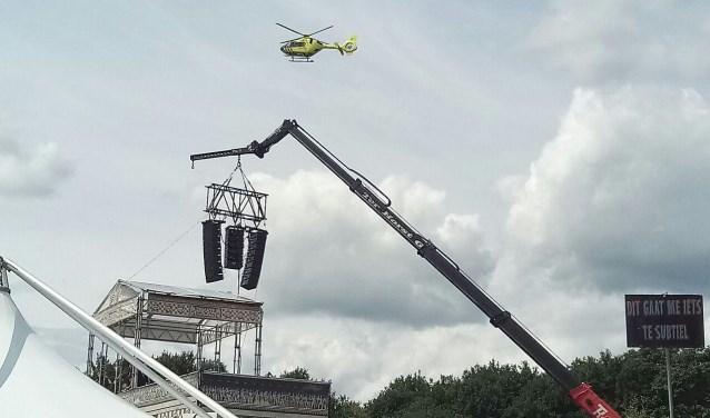 De stuntman werd per traumaheli naar het ziekenhuis vervoerd. Foto: GinoPress