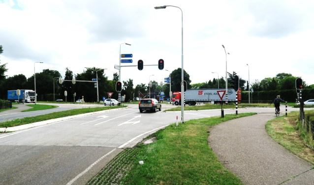 De veel besproken kruising Zieuwentsweg richting Lichtenvoorde. Foto: Theo Huijskes