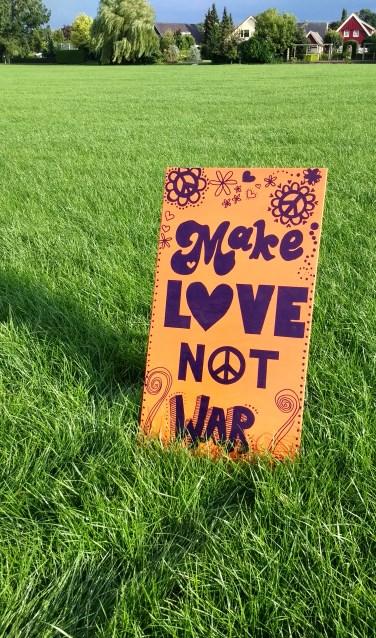 De 'Make Love, Not War' weide.