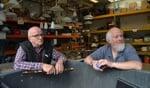Wim Koskamp (links) en Gerrit Wevers tijdens hun innamedienst bij Dorcas. Foto: Karin Stronks