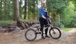 Fietscross is een uit de hand gelopen hobby van Anne Mokkink. Foto: Luuk Stam