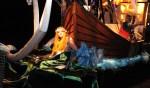 Wagen met het thema 'Pirates of the Caribbean' tijdens de Lichtoptocht op de vooravond van Koningsdag 2015. Foto: Achterhoekfoto.nl/John Mokkink