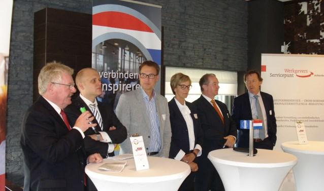 de burgemeesters van Bocholt, Winterswijk, Vreden, Oost-Gelre, Südlohn/Oeding en een wethouder van Aalten. Foto: Achterhoek Nieuws