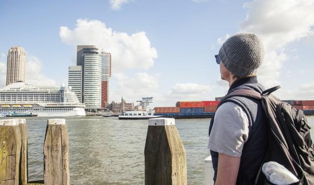 Uitkijken over het water in Rotterdam. Foto: Stockfoto