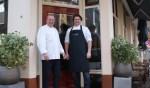 Tim Gommers (rechts) neemt Culinair Concept over van Jeroen van der Schee. Foto: Kevin ten Dolle