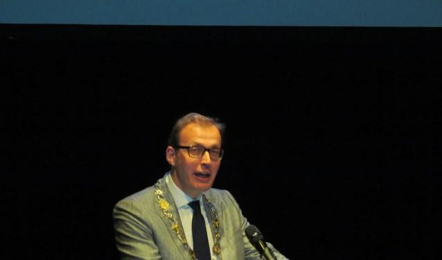 Burgemeester Boumans tijdens zijn nieuwjaarstoespraak. Foto: Bert Vinkenborg
