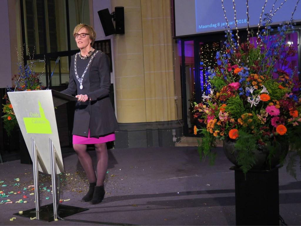 Burgemeester Annette Bronsvoort tijdens haar Nieuwjaarstoespraak. Foto: Theo Huijskes