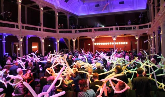 Tijdens het Nieuwjaarsfeest werden talenten met elkaar verbonden door ballonnen.